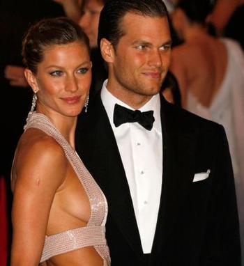 Tom-brady-gisele-bundchen-engaged_443x483_display_image
