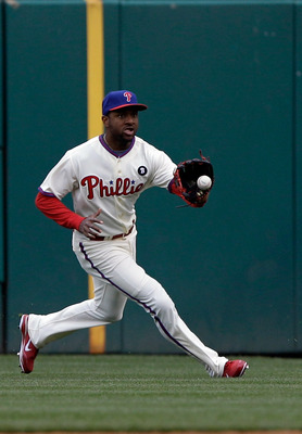 PHILADELPHIA, PA - APRIL 01: Right fielder Ben Francisco #10 of the Philadelphia Phillies makes a play against the Houston Astros during opening day at Citizens Bank Park on April 1, 2011 in Philadelphia, Pennsylvania.  (Photo by Rob Carr/Getty Images)