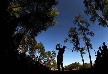 AUGUSTA, GA - APRIL 09:  Ernie Els of South Africa hits his tee shot on the 14th hole during the second round of the 2010 Masters Tournament at Augusta National Golf Club on April 9, 2010 in Augusta, Georgia.  (Photo by Harry How/Getty Images)