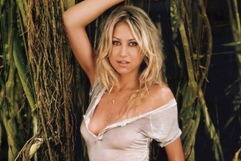 001_annakournikova-tennisesensation_display_image