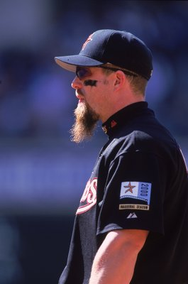 9 Apr 2000: Jeff Bagwell #5 of the Houston Astros looks on the field during a game against the Philadelphia Phillies at Enron Field in Houston, Texas. The Phillies defeated the Astros 3-2. Mandatory Credit: Brian Bahr  /Allsport