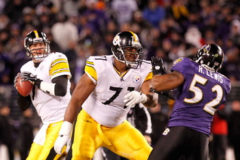 BALTIMORE, MD - DECEMBER 05:  Quarterback Ben Roethlisberger #7 of the Pittsburgh Steelers looks to pass against the Baltimore Ravens at M&T Bank Stadium on December 5, 2010 in Baltimore, Maryland.  (Photo by Geoff Burke/Getty Images)