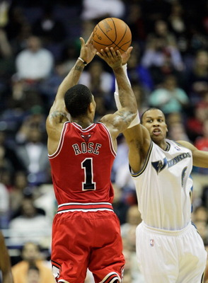 WASHINGTON, DC - FEBRUARY 28: Derrick Rose #1 of the Chicago Bulls puts up a shot against the Washington Wizards at the Verizon Center in Washington on February 28, 2011 in Washington, DC. NOTE TO USER: User expressly acknowledges and agrees that, by down
