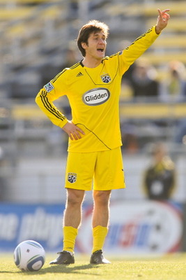 COLUMBUS, OH - NOVEMBER 6:  Guillermo Barros Schelotto #7 of the Columbus Crew gedts ready to kick the ball against the Colorado Rapids  during the second leg of the MLS playoff match on November 6, 2010 at Crew Stadium in Columbus, Ohio.  (Photo by Jamie