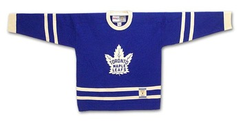 photo courtesy http://www.icejerseys.com/images/vintage_collection/toronto_maple_leafs/heritage_jersey_dark2_big.jpg