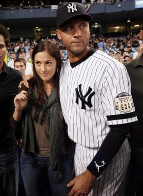 photo found at http://www.midwestsportsfans.com/wp-content/gallery/minka-kelly/derek-jeter-minka-kelly.jpg