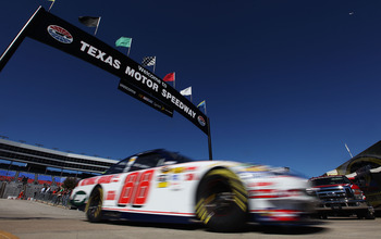 Can Dale Earnhardt Jr. snap a 99-race winless streak at Texas Motor Speedway on Sunday?