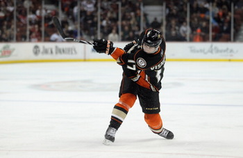 ANAHEIM, CA - FEBRUARY 16:  Lubomir Visnovsky #17 of the Anaheim Ducks skates against the Washington Capitals at the Honda Center on February 16, 2011 in Anaheim, California.  (Photo by Jeff Gross/Getty Images)