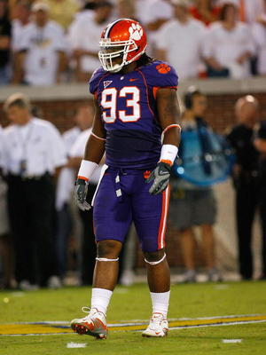 ATLANTA - SEPTEMBER 10:  Da'Quan Bowers #93 of the Clemson Tigers against the Georgia Tech Yellow Jackets at Bobby Dodd Stadium on September 10, 2009 in Atlanta, Georgia.  (Photo by Kevin C. Cox/Getty Images)