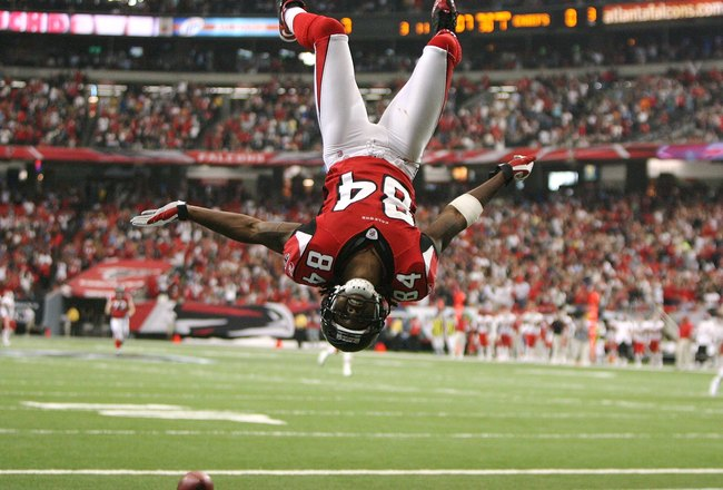 ATLANTA - SEPTEMBER 21: Wide receiver Roddy White #84 of the Atlanta Falcons does a back-flip to celebrate his touchdown in the first quarter against the Kansas City Chiefs at Georgia Dome on September 21, 2008 in Atlanta, Georgia.  (Photo by Doug Benc/Ge