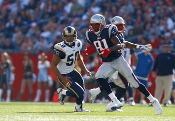 FOXBORO, MA - OCTOBER 26: Randy Moss #81of the New England Patriots runs the ball during the game with the St. Louis Rams at Gillette Stadium on October 26, 2008 in Foxboro, Massachusetts. (Photo by Jim Rogash/Getty Images)