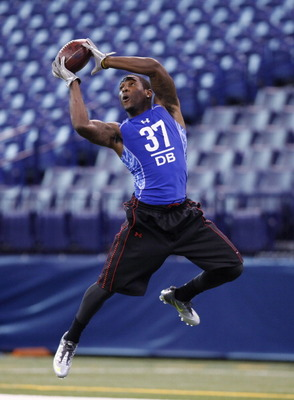 INDIANAPOLIS, IN - MARCH 1: Defensive back Patrick Peterson of LSU works out during the 2011 NFL Scouting Combine at Lucas Oil Stadium on February 28, 2011 in Indianapolis, Indiana. (Photo by Joe Robbins/Getty Images)