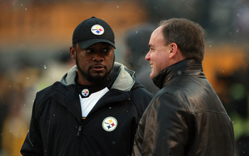 PITTSBURGH, PA - DECEMBER 19:  Head Coach Mike Tomlin of the Pittsburgh Steelers talks with General Manager Kevin Colbert before the game against the New York Jets at Heinz Field on December 19, 2010 in Pittsburgh, Pennsylvania.  (Photo by Karl Walter/Get