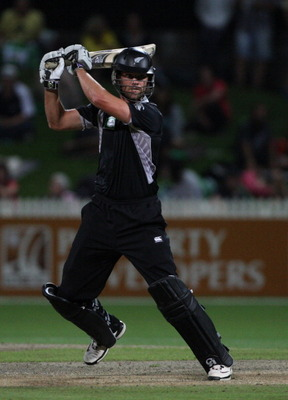 HAMILTON, NEW ZEALAND - FEBRUARY 03:  James Franklin of the Black Caps bats during game five of the one day series between New Zealand and Pakistan at Seddon Park on February 3, 2011 in Hamilton, New Zealand.  (Photo by Sandra Mu/Getty Images)