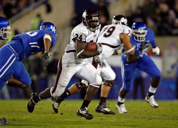 LEXINGTON, KY - OCTOBER 31:  Anthony Dixon #24 of  the Mississippi State Bulldogs runs with the ball during the SEC game against the Kentucky Wildcats  at Commonwealth Stadium on October 31, 2009 in Lexington, Kentucky.  (Photo by Andy Lyons/Getty Images)
