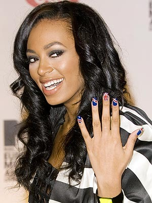 Solange-knowles-nails-art-designs-1_display_image
