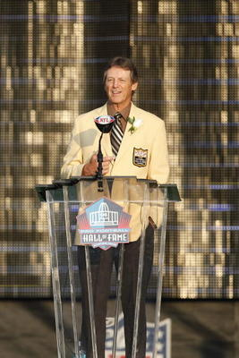 CANTON, OH - AUGUST 7: Dick LeBeau addresses the crowd at the 2010 Pro Football Hall of Fame Enshrinement ceremony at the Pro Football Hall of Fame Field at Fawcett Stadium on August 7, 2010 in Canton, Ohio. (Photo by Joe Robbins/Getty Images)