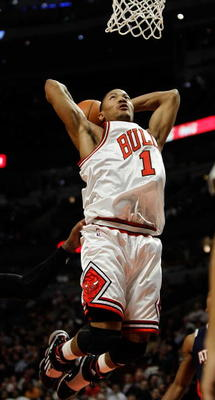 CHICAGO - MARCH 01: Derrick Rose #1 of the Chicago Bulls goes up for a dunk against the Atlanta Hawks at the United Center on March 1, 2010 in Chicago, Illinois. The Hawks defeated the Bulls 116-92. NOTE TO USER: User expressly acknowledges and agrees tha