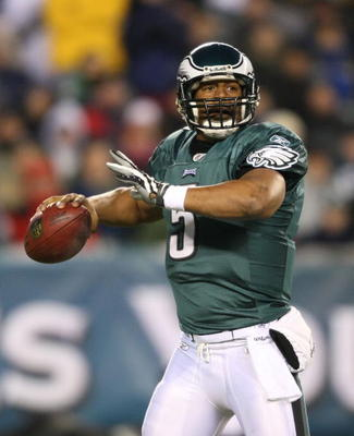 PHILADELPHIA - DECEMBER 20:  Donovan McNabb #5 of the Philadelphia Eagles drops back to pass against the San Francisco 49ers at Lincoln Financial Field on December 20, 2009 in Philadelphia, Pennsylvania.  (Photo by Nick Laham/Getty Images)