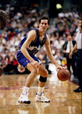 5 Dec 1997:  Guard Jeff Hornacek of the Utah Jazz moves the ball during a game against the Portland Trailblazers at the Rose Garden in Portland, Oregon.  The Trailblazers won the game, 94-77. Mandatory Credit: Otto Greule  /Allsport