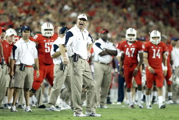 TUCSON, AZ - SEPTEMBER 18:  Head coach Mike Stoops of the Arizona Wildcats reacts during the college football game against the Iowa Hawkeyes at Arizona Stadium on September 18, 2010 in Tucson, Arizona. The Wildcats defeated the Hawkeyes 34-27.  (Photo by