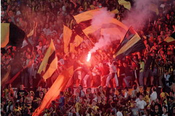 16 Mar 2000:  Penarol fans during the Copa Libertadores group 2 match against Boca Juniors in Montevideo, Uruguay.  \ Mandatory Credit: Allsport UK /Allsport