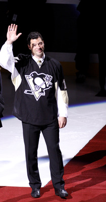 PITTSBURGH, PA - DECEMBER 06:  Bill Guerin waves to the crowd during his retirement ceremony before a game between the Pittsburgh Penguins and the New Jersey Devils at Consol Energy Center on December 6, 2010 in Pittsburgh, Pennsylvania.  (Photo by Justin
