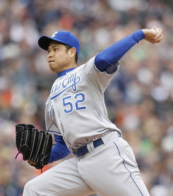DETROIT - APRIL 09:  Bruce Chen #52 of the Kansas City Royals pitches in the second inning during the game against the Detroit Tigers at Comerica Park on April 9, 2011 in Detroit, Michigan. The Royals defeated the Tigers 3-1. (Photo by Leon Halip/Getty Im