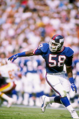 2 Oct 1988:  Linebacker Carl Banks of the New York Giants in action during a game against the Washington Redskins at RFK Stadium in Washington, D.C.  The Giants won the game 24-23. Mandatory Credit: Allen Steele  /Allsport