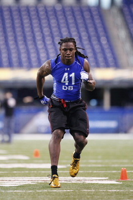 INDIANAPOLIS, IN - MARCH 1: Defensive back Robert Sands #41 of West Virginia works out during the 2011 NFL Scouting Combine at Lucas Oil Stadium on February 28, 2011 in Indianapolis, Indiana. (Photo by Joe Robbins/Getty Images)