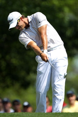 AUGUSTA, GA - APRIL 10:  Adam Scott of Australia hits his tee shot on the fourth hole during the final round of the 2011 Masters Tournament on April 10, 2011 in Augusta, Georgia.  (Photo by Jamie Squire/Getty Images)
