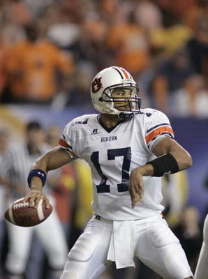 ATLANTA, GA - DECEMBER 4:  Quarterback Jason Campbell #17 of the Auburn Tigers looks to pass against the Tennessee Volunteers during the 2004 SEC Championship Game at the Georgia Dome on December 4, 2004 in Atlanta, Georgia. Auburn defeated Tennessee 38-2