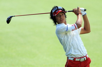 AUGUSTA, GA - APRIL 10:  Ryo Ishikawa of Japan watches his second shot on the second hole during the final round of the 2011 Masters Tournament on April 10, 2011 in Augusta, Georgia.  (Photo by David Cannon/Getty Images)