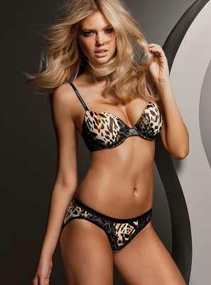 Kate-upton-victorias-secret-0001_display_image