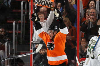 PHILADELPHIA, PA - FEBRUARY 05:  Jeff Carter #17 of the Philadelphia Flyers celebrates his goal against the Dallas Stars on February 5, 2011 at Wells Fargo Center in Philadelphia, Pennsylvania. The Flyers defeated the Stars 3-1.  (Photo by Jim McIsaac/Get