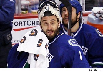 Luongo-beard_display_image