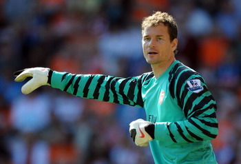 BLACKPOOL, ENGLAND - APRIL 10:  Jens Lehmann of Arsenal in action during the Barclays Premier League match between Blackpool and Arsenal at Bloomfield Road on April 10, 2011 in Blackpool, England.  (Photo by Chris Brunskill/Getty Images)