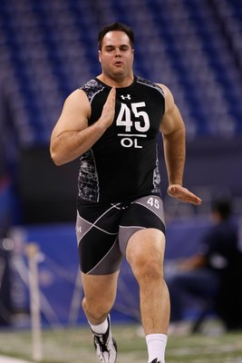 INDIANAPOLIS, IN - FEBRUARY 27: Offensive lineman Thomas Welch of Vanderbilt runs the 40 yard dash during the NFL Scouting Combine presented by Under Armour at Lucas Oil Stadium on February 27, 2010 in Indianapolis, Indiana. (Photo by Scott Boehm/Getty Im