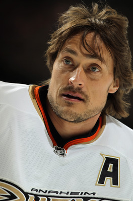 DENVER, CO - MARCH 11:  Teemu Selanne #8 of the Anaheim Ducks warms up prior to facing the Colorado Avalanche during NHL action at the Pepsi Center on March 11, 2011 in Denver, Colorado.  (Photo by Doug Pensinger/Getty Images)