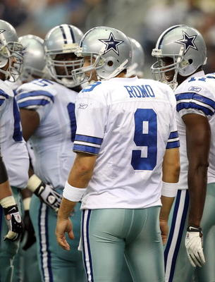 ARLINGTON, TX - SEPTEMBER 19:  Quarterback Tony Romo #9 of the Dallas Cowboys at Cowboys Stadium on September 19, 2010 in Arlington, Texas.  (Photo by Ronald Martinez/Getty Images)
