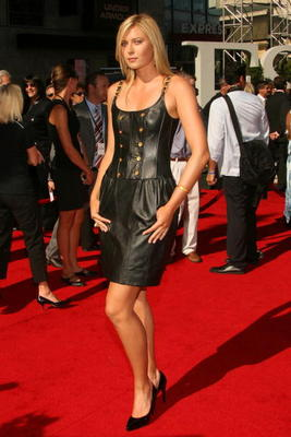HOLLYWOOD - JULY 11:  Tennis player Maria Sharapova arrives at the 2007 ESPY Awards at the Kodak Theatre on July 11, 2007 in Hollywood, California.  (Photo by Frederick M. Brown/Getty Images)