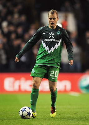 LONDON, ENGLAND - NOVEMBER 24: Daniel Jensen of Werder Bremen in action during the UEFA Champions League Group A match between Tottenham Hotspur and SV Werder Bremen at White Hart Lane on November 24, 2010 in London, England.  (Photo by Shaun Botterill/Ge