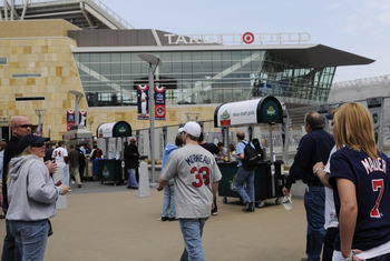 MINNESOTA, MN - APRIL 12: Fans arrive at Target Field prior to a game between the Minnesota Twins and the Boston Red Sox during the Twins home opener at Target Field on April 12, 2010 in Minneapolis, Minnesota. (Photo by Hannah Foslien /Getty Images)