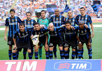 MILAN, ITALY - APRIL 09:   Inter Milan players pose for a team photo during the Serie A match between FC Internazionale Milano and AC Chievo Verona at Stadio Giuseppe Meazza on April 9, 2011 in Milan, Italy.  (Photo by Claudio Villa/Getty Images)