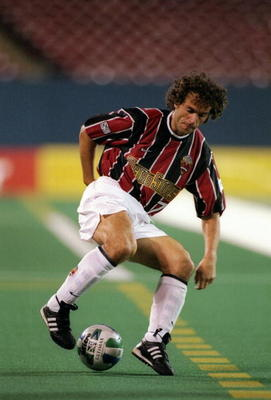 25 Sep 1997:  Roberto Donadoni of the New York/New Jersey Metrostars moves the ball during a game against the Columbus Crew at Giants Stadium in East Rutherford, New Jersey.  The Crew won the game, 1-0. Mandatory Credit: Al Bello  /Allsport