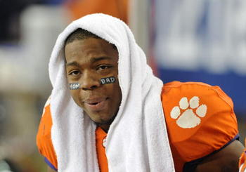TAMPA, FL - NOVEMBER 28: Defensive end Da'Quan Bowers #93 of the Clemson Tigers watches play against the Georgia Tech Yellow Jackets in the 2009 ACC Football Championship Game December 5, 2009 at Raymond James Stadium in Tampa, Florida.  (Photo by Al Mess
