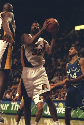22 Dec 1995:  Forward Dale Davis of the Indiana Pacers prepares to shoot against the Dallas Mavericks during a game played at the Market Square Arena in Indianapolis, Indiana.  The Pacers won the game, 90-79. Mandatory Credit: ALLSPORT USA/Allsport