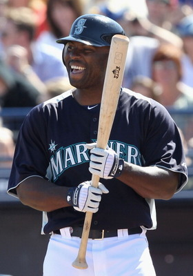 PEORIA, AZ - MARCH 04:  Milton Bradley #15 of the Seattle Mariners bats against the Cincinnati Reds during the spring training game at Peoria Stadium on March 4, 2011 in Peoria, Arizona.  (Photo by Christian Petersen/Getty Images)