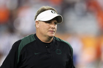 GLENDALE, AZ - JANUARY 10:  Head coach Chip Kelly of the Oregon Ducks looks on during their 22-19 loss to the Auburn Tigers during the Tostitos BCS National Championship Game at University of Phoenix Stadium on January 10, 2011 in Glendale, Arizona.  (Pho