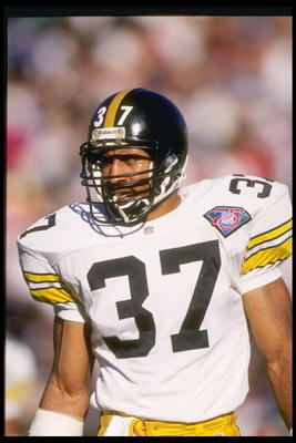 27 Nov 1994: Defensive back Carnell Lake of the Pittsburgh Steelers during the Steelers 21-3 win over the Los Angeles Raiders at the Memorial Coliseum in Los Angeles, California.